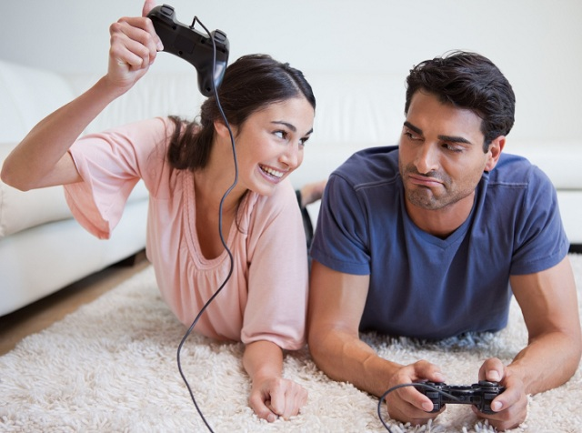 couple gaming
